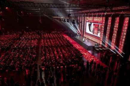 Největší světový veletrh výpočetní a digitální techniky CeBIT začal v Hannoveru.