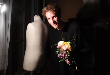 Autor, herec a režisér Tomáš Dianiška převzal 20. března v Praze Cenu divadelní kritiky za Talent roku 2016.