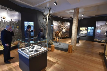 Městské Muzeum Karlovy Vary bylo 19. dubna opět otevřeno veřejnosti po celkové rekonstrukci u příležitosti 150. výročí od jeho vzniku.