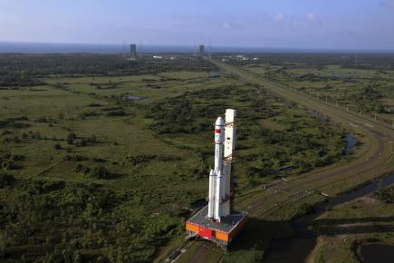 Čína dnes vyslala do kosmu svou vlastní zásobovací loď, s níž se pokusí zakotvit u své vesmírné laboratoře. Jedná se o další krok ve snaze Číny zřídit do roku 2022 vlastní trvale obydlenou orbitální stanici.