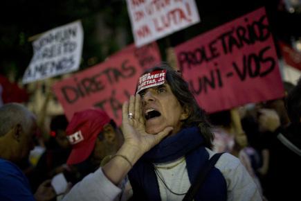Demonstrace v Riu de Janeriu za odstoupení prezidenta Michela Temera.