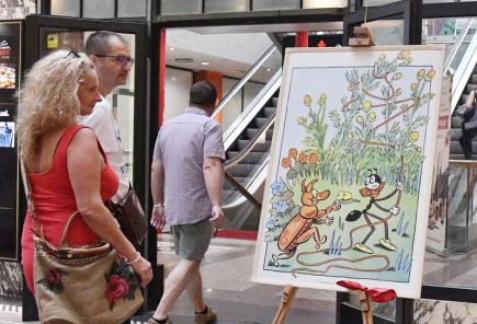 Výstavu obrázků Ondřeje Sekory najdou od 16. června do 15. září návštěvníci paláce Koruna v Praze na Můstku. Na několika panelech jsou především jeho slavní hrdinové Ferda Mravenec a Brouk Pytlík. Doplňují je ukázky z dalšího Sekorova díla pro děti i dospělé. Výstava se koná u příležitosti 90 let od prvního uvedení pracovitého mravence na stránkách novin a jako připomínka 50 let od úmrtí Sekory.