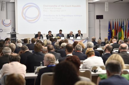 Odborná konference Závaznost soudních rozhodnutí za účasti českých a evropských justičních špiček i politiků začala 20. června v Brně.