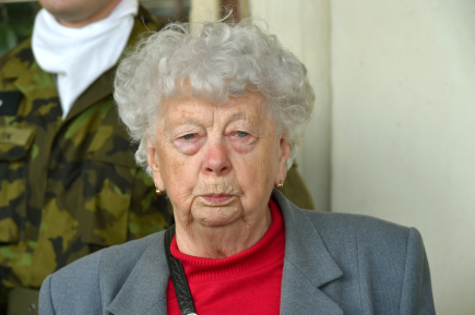 Na nádraží v Žatci byla 15. července slavnostně odhalena pamětní deska připomínající sedmdesáté výročí příjezdu prvního transportu volyňských čechů. Pamětnice Božena Krejčová přijela v prvním transportu jako dvacetiletá.