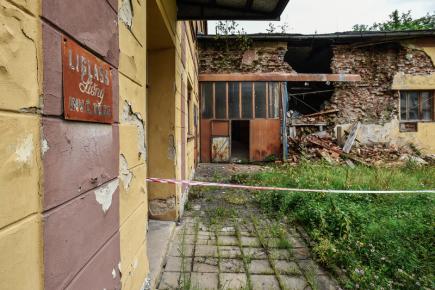 Areál v Líšném u Železného Brodu na Jablonecku (na snímku z 18. července 2017), kde mají sídlo společnosti Liglass, a. s., a Liglass Trading CZ.