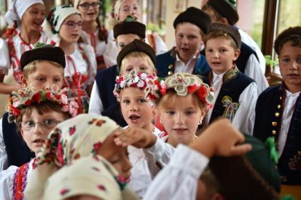 V Domažlicích začaly 11. srpna Chodské slavnosti, jeden z nejstarších folklorních festivalů v Čechách. V odpoledním programu vystoupil v domě seniorů dětský folklorní soubor Mráček z Mrákova.