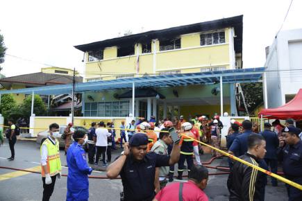 Nejméně 25 lidí zabil požár v náboženské škole v malajsijské metropoli Kuala Lumpuru.