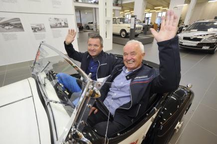V Brně je od 16. září v provozu muzeum historických vozů BMW, které podle jeho majitele Miloše Vránka (na snímku vpravo, vlevo je jeho syn téhož jména) patří mezi největší v Evropě.