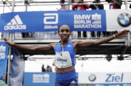 Keňanka Gladys Cheronová vyhrála maraton v Berlíně.