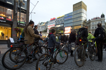 V centru Prahy demonstrovali 4. října 2017 cyklisté za zachování průjezdnosti centra metropole.