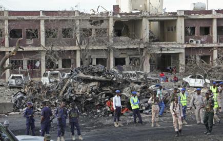 Budova zničená výbuchem vozidla v somálské metropoli Mogadišu.