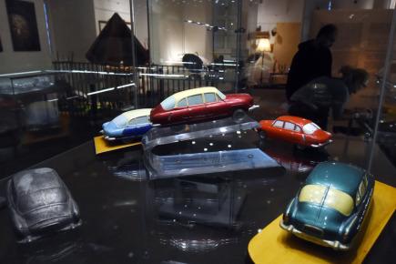 V Muzeu a pamětní síni Sigmunda Freuda v Příboře na Novojičínsku je od 8. listopadu k vidění výstava rozmanitých předmětů vyrobených mimo pracovní plán a většinou načerno v podniku Tatra. Expozice nazvaná Vyrobeno v Tatře, ale tatrovka to není potrvá do 2. června 2018. Na snímku ze 7. listopadu jsou modely Tatry 603.