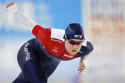 Česká rychlobruslařka Karolína Erbanová v závodu na 500 metrů v v nizozemském Heerenveenu.