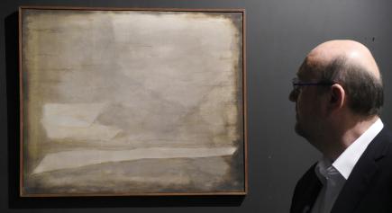 Aukci výtvarných děl a starožitností pořádala 30. listopadu v Praze aukční síň Arthouse Hejtmánek. Na snímku je obraz českého malíře Josefa Šímy s názvem Krajina.