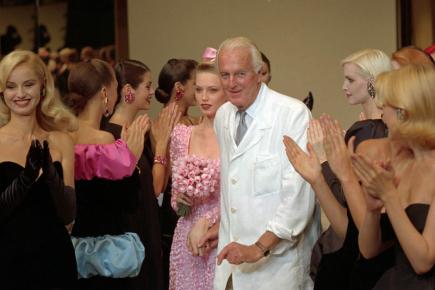 Francouzský módní návrhář Hubert de Givenchy na snímku z 11. července 1995.