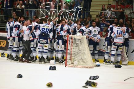 Finále play off hokejové extraligy - 5. zápas: HC Oceláři Třinec - HC Kometa Brno, 22. dubna 2018 v Třinci. Hokejisté Brna vyhráli utkání 4:1 a získali mistrovský titul.