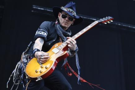 Americký herec Johnny Depp a skupina Hollywood Vampires vystoupili 13. června 2018 v pražských Letňanech jako předkapela před koncertem rockové legendy Ozzyho Osbournea. *** EDITORIAL USE ONLY/NO SALES ***