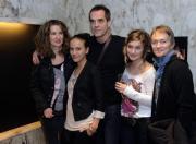 Zleva režisérka Irena Pavlásková, herci Tereza Voříšková, Miroslav Etzler, Dana Marková a scénáristka Tereza Boučková na tiskové konferenci, která se konala 16. listopadu v Praze po novinářské projekci filmu Zemský ráj to napohled.