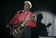 Americký zpěvák a kytarista Chuck Berry.