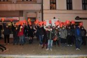 Protest proti prezidentovi Miloši Zemanovi, který se 8. listopadu v rámci návštěvy Olomouckého kraje setkal s obyvateli Lipníka nad Bečvou.