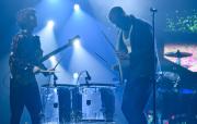 Americká rocková skupina Imagine Dragons vystoupila 16. dubna 2018 v pražské O2 areně, kde představila své nové album Evolve. Na snímku jsou zpěvák Dan Reynolds (vpravo) a kytarista Wayne Sermon.