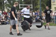 Závod Strongmanů, 6. července 2018 v Uherském Hradišti. Lukáš Kadlec v disciplíně Super Yoke.