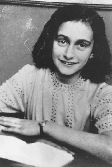 Anne Franková na nedatovaném snímku