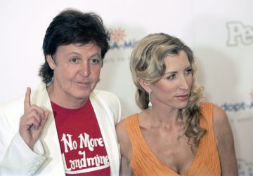 Paul McCartney a Heather Millsová.