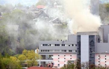 Libereckou spalovnu komunálního odpadu společnosti Termizo zachvátil 18. dubna požár. Vzňal se zřejmě odpad ve sběrné jímce, kam popeláři vysypávají své vozy.