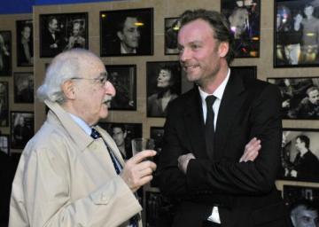 Režisér Juraj Herz (vlevo) a německý herec Mark Waschke na premiéře filmu Habermannův mlýn, která se konala 5. října v Praze.
