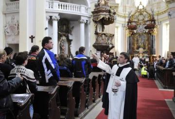 Žehnání motorkářům a jejich strojům se konalo 14. května v bazilice sv. Vavřince a sv. Zdislavy v Jablonném v Podještědí na Liberecku.