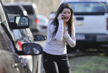 Střelba ve škole ve městě Newtown v americkém státě Connecticut si dnes vyžádala 27 mrtvých, z toho 18 dětí.