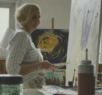 """Jednou z tváří kampaně je Claudia, slepá malířka. Jak sama říká: """"Když maluji, zapomenu, že jsem slepá."""""""