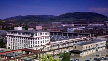 Lanny Davis v pondělí navštíví několik strategických českých průmyslových firem včetně společnosti Tatra Trucks