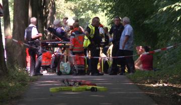 Příslušníci záchranných složek zasahují v německém Lübecku, kde v autobuse útočil muž ozbrojený nožem.