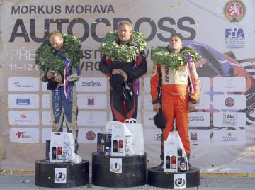 Mistrovství Evropy v autokrosu, 12. srpna 2018 v Přerově. Zleva druhý Mike Bartelen z Nizozemska, vítěz Bernd Stubbe z Nemecka a třetí Petr Bartoš z ČR.