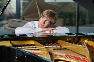 Klavírista Matyáš Novák (Foto: Martina Wiesner)