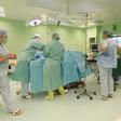 Ilustrační foto - Nemocnice, operační sál, lékaři, chirurgové - ilustrační foto.