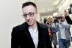 Ilustrační foto - Lukáš Nečesaný odchází ze soudní síně po vynesení zprošťujícího rozsudku u pražského vrchního soudu, který 27. března 2019 znovu rozhodoval v případu pokusu o vraždu kadeřnice v Hořicích na Jičínsku, v němž Nečesaný figuroval jako obžalovaný.