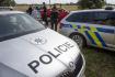 Policisté kontrolovali 15. srpna 2019 na příjezdových cestách v okolí areálu hudebního festivalu Hip Hop Kemp na letišti v Hradci Králové vozidla i lidi, kteří na festival přijíždějí či přicházejí pěšky. Při kontrolách se zaměřují na hledání drog.