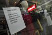 Obchod uzavřený kvůli koronavirové epidemii - ilustrační foto.