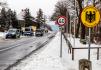 Německá policie kontroluje projíždějící vozidla na česko-německých hranicích - ilustrační foto.