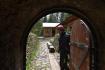 Průvodce Martin Rojovský v historické štole Johannes uBožího Daru na Karlovarsku, která se 31. května 2021 díky uvolnění protikoronavirových restrikcí otevřela pro veřejnost. Kvůli epidemii zahájili v památce zapsané na seznamu světového dědictví UNESCO sezonu podobně jako vloni s měsíčním zpožděním.