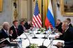 Ilustrační foto - Americký prezident Joe Biden (vpředu vlevo) a jeho ruský protějšek Vladimir Putin (vpravo) během schůzky v Ženevě. Na snímku z 16. června 2021 je druhá část jednání v širším formátu.