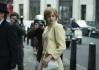 Herečka Emma Corrinová jako Lady Diana v seriálu Koruna (The Crown).