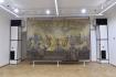 Slovanskou epopej Alfonse Muchy (na snímku z 19. července 2021) uvidí návštěvníci zámku v Moravském Krumlově na přelomu července a srpna. V opravených prostorách zámku bude vystavená pět let. Na bocích klimatizační jednotky.
