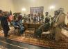 Bojovníci Tálibánu v prezidentském paláci v Kábulu, 15. srpna 2021.