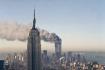 Dým stoupá z věží Světového obchodního centra v New Yorku po teroristickém útoku 11. září 2001.