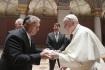 Zleva maďarský premiér Viktor Orbán a papež František.