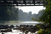 Okolí mostu přes řeku Bečvu nedaleko Hustopečí nad Bečvou na Přerovsku, kde před rokem rybáři zaznamenali první otravy ryb na snímku z 15. září 2021.